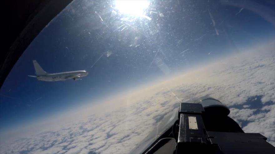 Vídeo: Caza Su-27 ruso intercepta aviones de EEUU y Suecia | HISPANTV