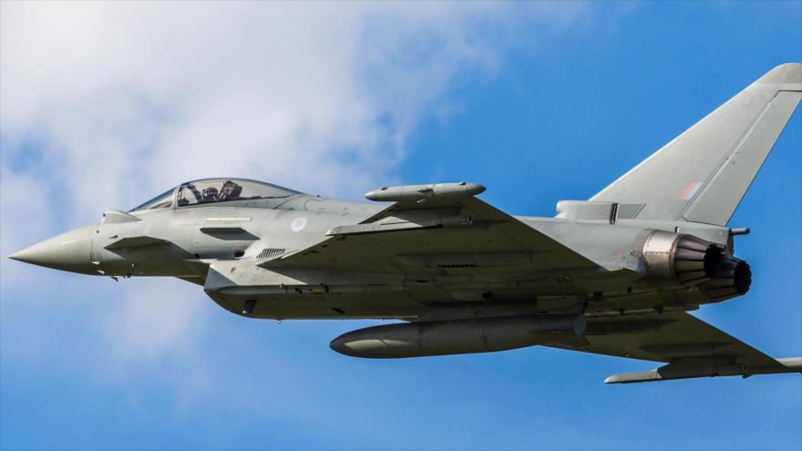 Un caza Typhoon de la Real Fuerza Aérea del Reino Unido.