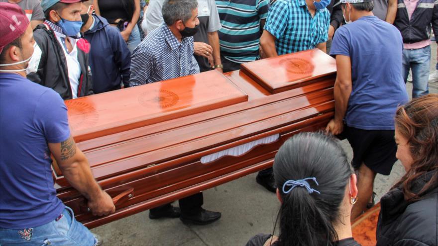 El funeral de uno de las víctimas de una mascre en Nariño, Colombia, 16 de agosto de 2020. (Foto: AFP)