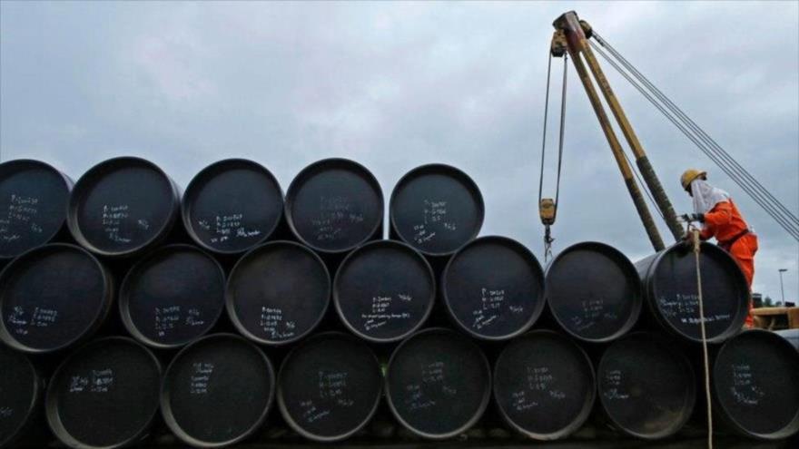 El precio del petróleo vuelve a hundirse por el rebrote del coronavirus.