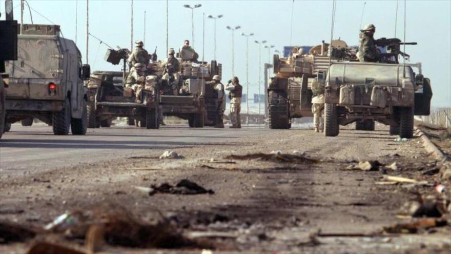 Un convoy militar de EE.UU. desplegado un una carretera en el centro de Irak.
