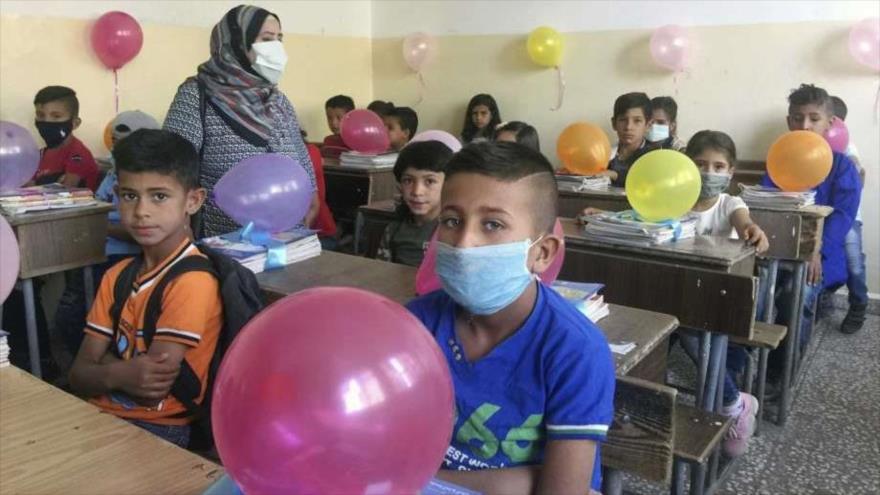 Estudiantes sirios en una escuela en Al-Qamishli, 13 de septiembre de 2020. (Foto: SANA)