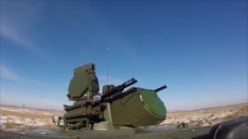 Vea los sistemas antiaéreos rusos S-300 y S-400 en plena acción