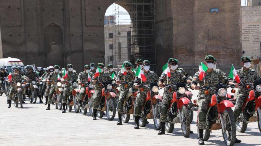 Se realiza desfile conmemorativo de la Defensa Sagrada en Irán