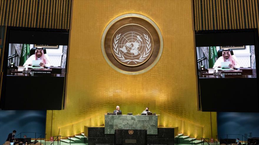 El rey saudí, Salman bin Abdulaziz Al Saud, ofrece un discurso virtualmente en la Asamblea General de la ONU, 23 de septiembre de 2020, (Foto: AFP)