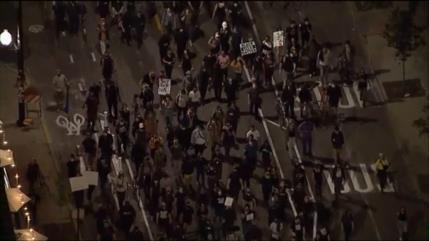 Manifestantes piden justicia para la afrodescendiente Breonna Taylor