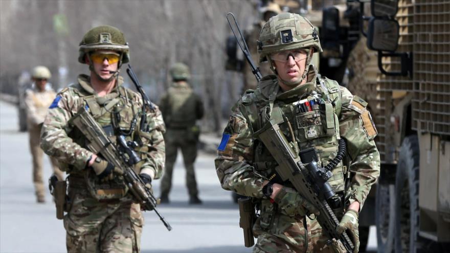 Soldados británicos de la misión 'Apoyo Decidido' llegan al sitio de un ataque en Kabul, Afganistán, 6 de marzo de 2020. (Foto: Reuters)