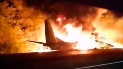 Caída de un avión militar deja 22 muertos y 2 heridos en Ucrania