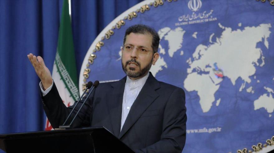 El portavoz del Ministerio de Asuntos Exteriores de Irán, Said Jatibzade, en una rueda de prensa en Teherán, la capital.