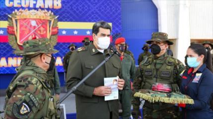 Maduro constituye Consejo Militar Científico para producir armas