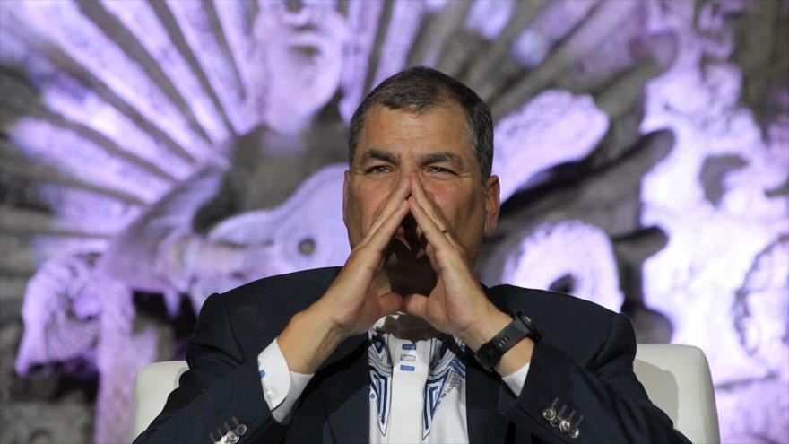 El expresidente de Ecuador Rafael Correa durante un mitin.