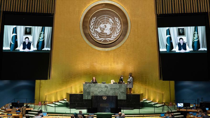 El premier paquistaní, Imran Jan, habla en una sesión virtual de la Asamblea General de Naciones Unidas (AGNU), 25 de septiembre de 2020. (Foto: AFP)