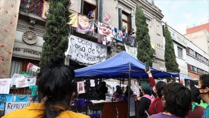 Mexicanas analizan demandas por violencia y desapariciones