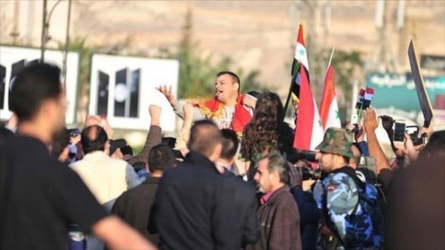Vídeo: Sirios protestan contra crímenes de milicias kurdas y EEUU | HISPANTV