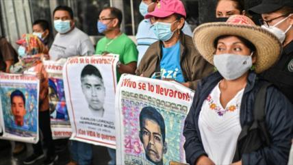 """Gobierno de Peña Nieto """"torturó y mintió"""" en caso Ayotzinapa"""
