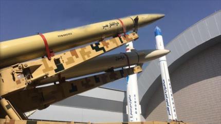 Irán presenta su más novedoso misil balístico antibuque