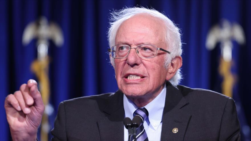 El senador estadounidense Bernie Sanders ofrece un discurso en la Universidad de George Washington, Washington D.C. (capital), 24 de septiembre de 2020. (Foto: AFP)