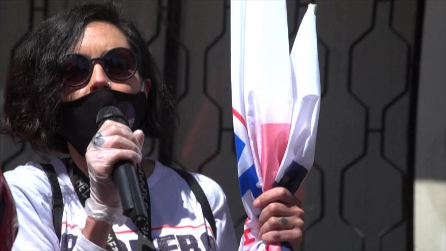 Chilenos apoyan el plebiscito de cambio de la Constitución