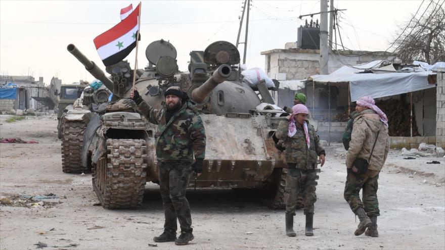 Fuerzas sirias cerca de la carretera Damasco-Alepo en la parte sur de la provincia de Alepo, 10 de febrero de 2020. (Foto: AFP)