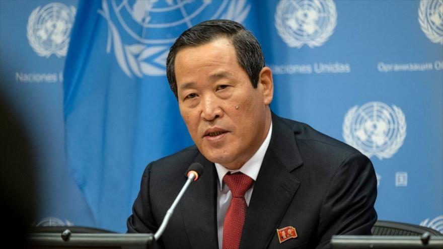 Kim Song, representante permanente de Corea del Norte ante la ONU, ofrece una rueda de prensa, el 21 de mayo de 2019. (Foto: AP)