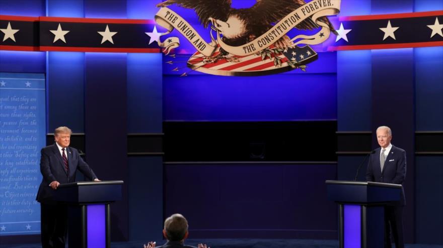 El presidente de EE.UU., Donald Trump (izq.), y su rival demócrata, Joe Biden, en el primer debate presidencial, Ohio 29 de septiembre de 2020.