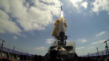 """Armada rusa derriba """"avión enemigo"""" en ejercicios en Mediterráneo"""