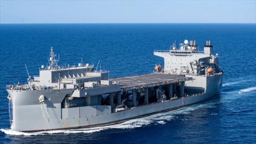 El USS Hershel Woody Williams participa en un ejercicio en el mar Mediterráneo, 20 de agosto de 2020.