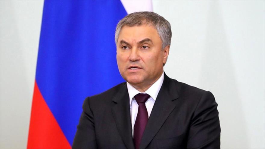 El líder de la Cámara Baja del Parlamento de Rusia (Duma), Viacheslav Volodin, ofrece una rueda de prensa en la sede del ente en Moscú, capital rusa.