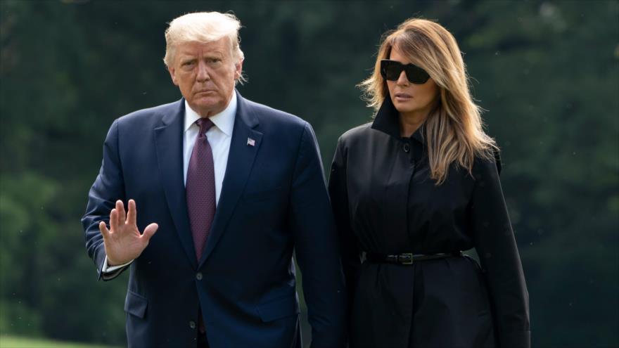 El presidente de EE.UU., Donald Trump, y su esposa, Melania, en la Casa Blanca, 11 de septiembre de 2020. (Foto: AFP)