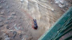 Vídeo impactante: Carabinero arroja a menor de edad al río Mapocho