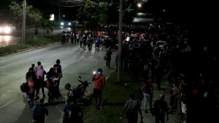 Caravana de migrantes avanza pese a restricciones