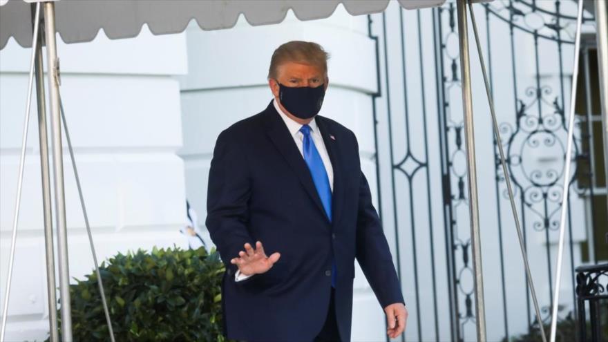 El presidente de EE.UU., Donald Trump, sale de la Casa Blanca en Washington D.C. para ser hospitalizado en un centro médico, 2 de octubre de 2020. (Foto: Rueters)