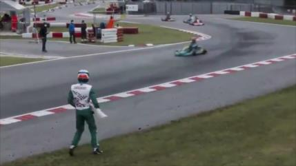 Vídeo: piloto le arroja su parachoques a otro en mundial de karting