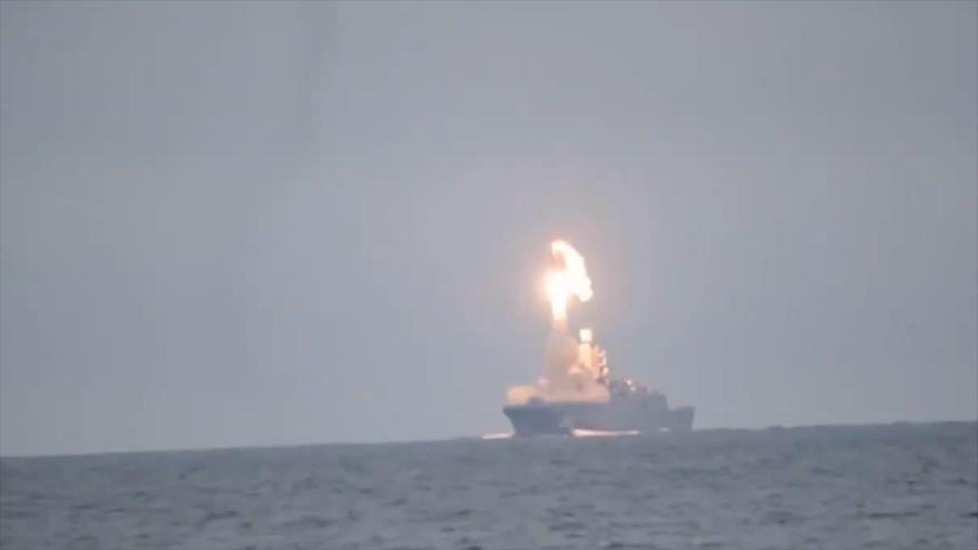 Vídeo: Ejército ruso prueba con éxito su misil hipersónico Tsirkon | HISPANTV