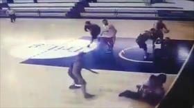 Vídeo: Brutal golpiza a un árbitro en un partido de baloncesto