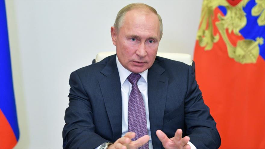 El presidente ruso, Vladimir Putin, en reunión por videoconferencia con líderes de Duma Estatal, en afueras de Moscú, 6 de octubre de 2020. (Foto: AFP)