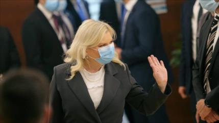 Esposa de Netanyahu viola el confinamiento para cortarse el pelo
