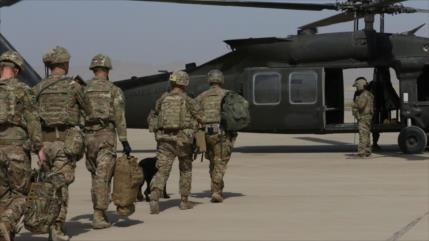 Trump quiere que militares de EEUU abandonen Afganistán para Navidad