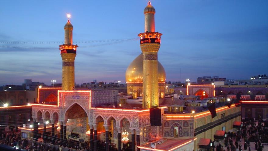 El santuario del Imam Husein (la paz sea con él), ubicado en la ciudad sagrada de Karbala, en Irak.
