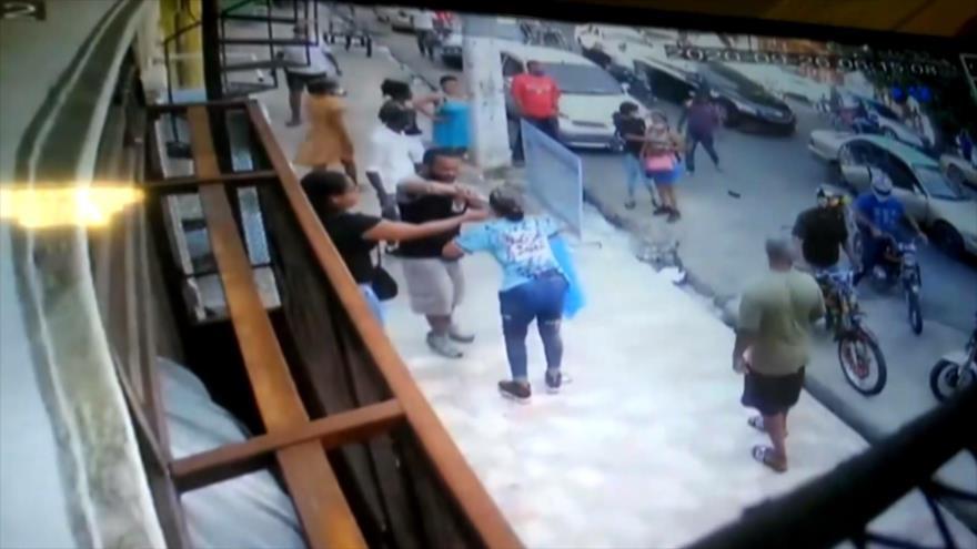 Agresión con ácido contra una joven indigna a dominicanos