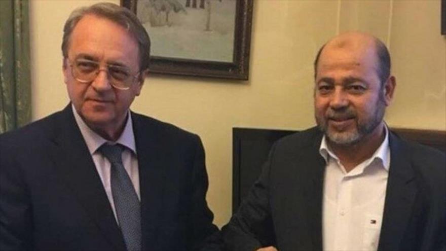 El enviado del Kremlin Asia Occidental y África, Mijail Bogdanov (izq.), y el jefe adjunto de la dirección política de HAMAS, Musa Abu Marzuq.