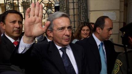 Álvaro Uribe recupera su libertad después de 67 días