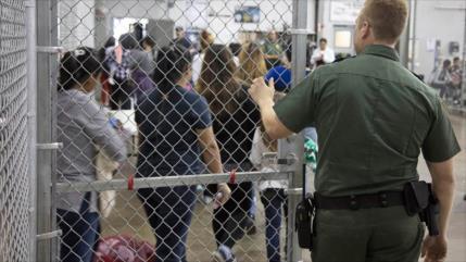 """México denuncia cirugías """"irregulares"""" a migrantes detenidas en EEUU"""