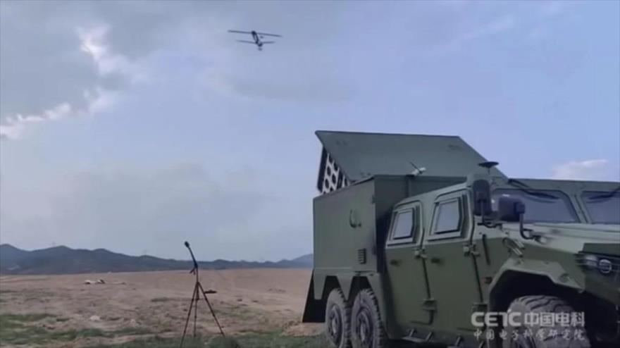 """China, lista para guerra, prueba enjambres de """"drones suicidas"""""""