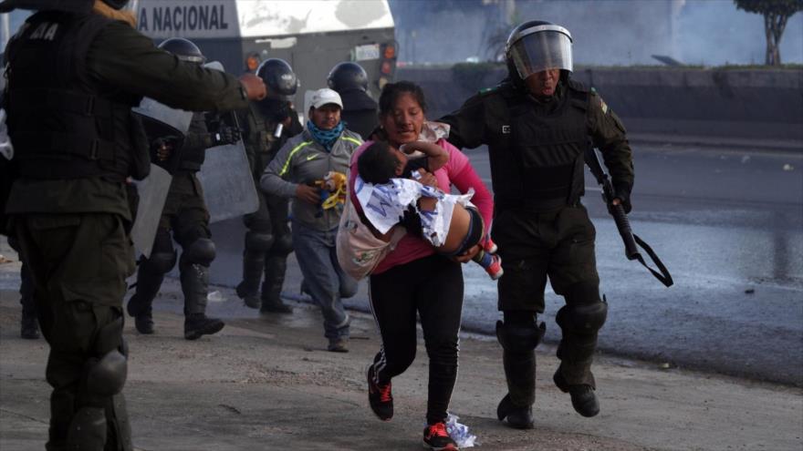Víctimas de la masacre de Sacaba en Bolivia piden proceso ante CPI | HISPANTV