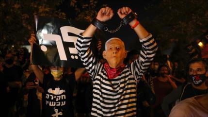 Sondeo: Más de 50 % de los israelíes desea la dimisión de Netanyahu
