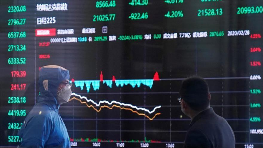 """La crisis financiera causada por la pandemia de la COVID-19 será """"mucho peor"""" que la crisis financiera mundial de 2008, según el Banco Mundial."""