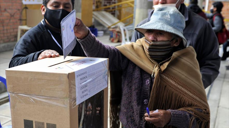 Abren en Bolivia centros de votación para elecciones generales