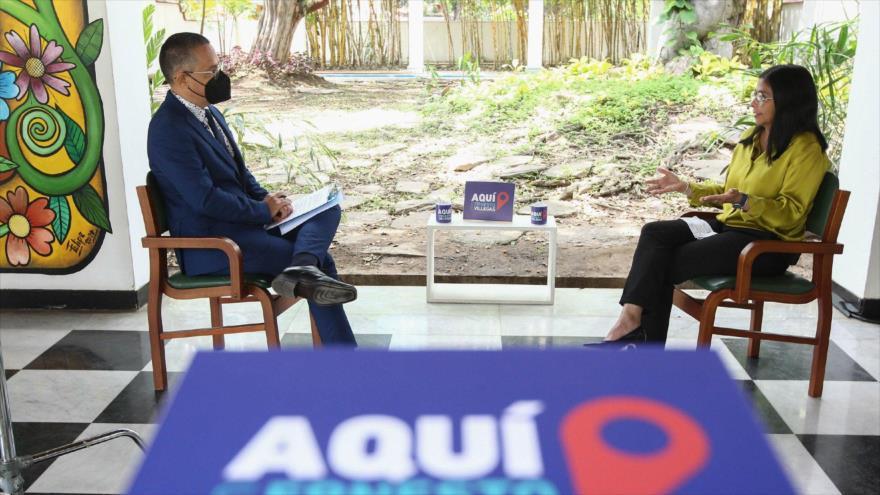 La vicepresidenta Ejecutiva de Venezuela, Delcy Rodríguez, en una entrevista de televisión, Caracas (capital), 18 de octubre de 2020.