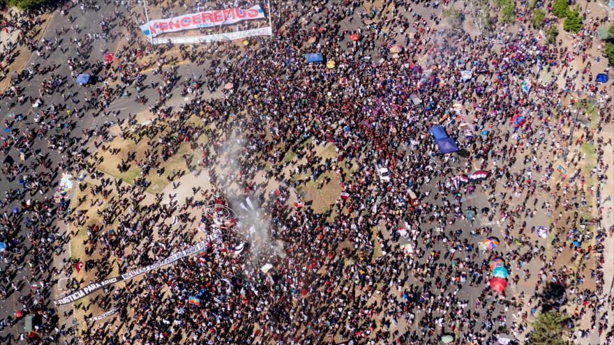 Chilenos toman las calles en aniversario del estallido social | HISPANTV